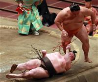 白鵬が右膝負傷で休場、両横綱不在に 大相撲7月場所
