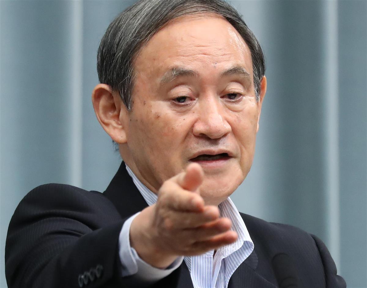 菅官房長官「腕つかんでないと報告」 朝日記者の質問制止で