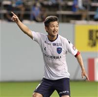 【サッカー通信】チームに見せた「戦う姿勢」53歳三浦知良、存在感はピッチ内外で健在