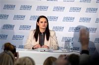 ベラルーシ反体制派候補、再選挙を要求「安全なら帰国」