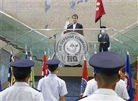 防衛相、航空総隊を視察 横田基地、米司令官と会談