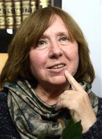 ノーベル賞作家にベラルーシ当局が出頭要請、反政権派に圧力