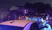 黒人男性が警官に撃たれ重体 デモ一部暴徒化 米ウィスコンシン州
