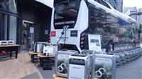 トヨタ水素バスとホンダバッテリーがタッグ 災害時に「動く発電所」