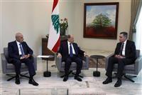 レバノン首相に駐独大使を指名 大規模爆発後の信頼回復急務