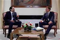 仏大統領がレバノン入り 大規模爆発後も進まぬ改革に「圧力」