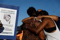 LA郊外でも黒人男性射殺 交通違反疑い、抗議広がる