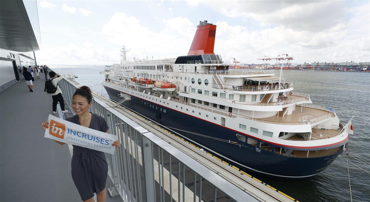 開業した「東京国際クルーズターミナル」に停泊するクルーズ船「にっぽん丸」=10日午前、東京都江東区