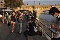 フランスで1日の感染者が初の1万人超え