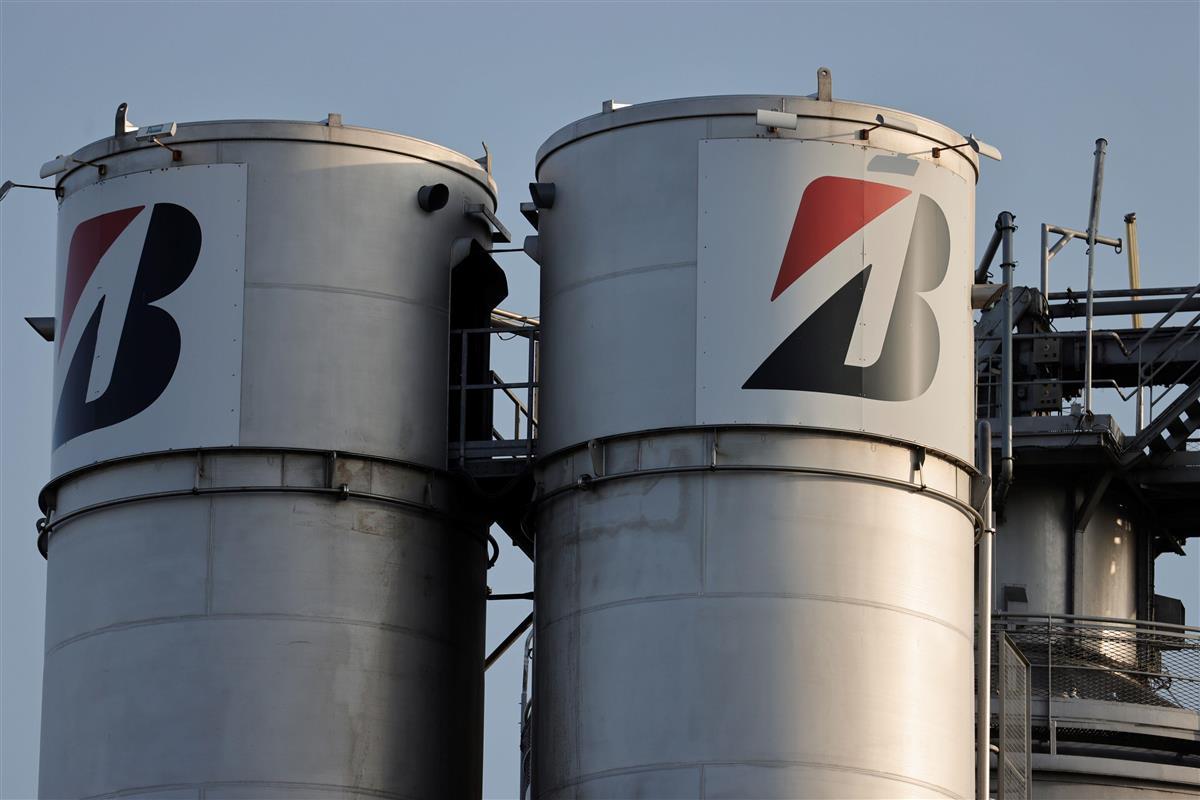 ブリヂストン工場閉鎖方針に仏政府が抗議 「裏切り」と批判