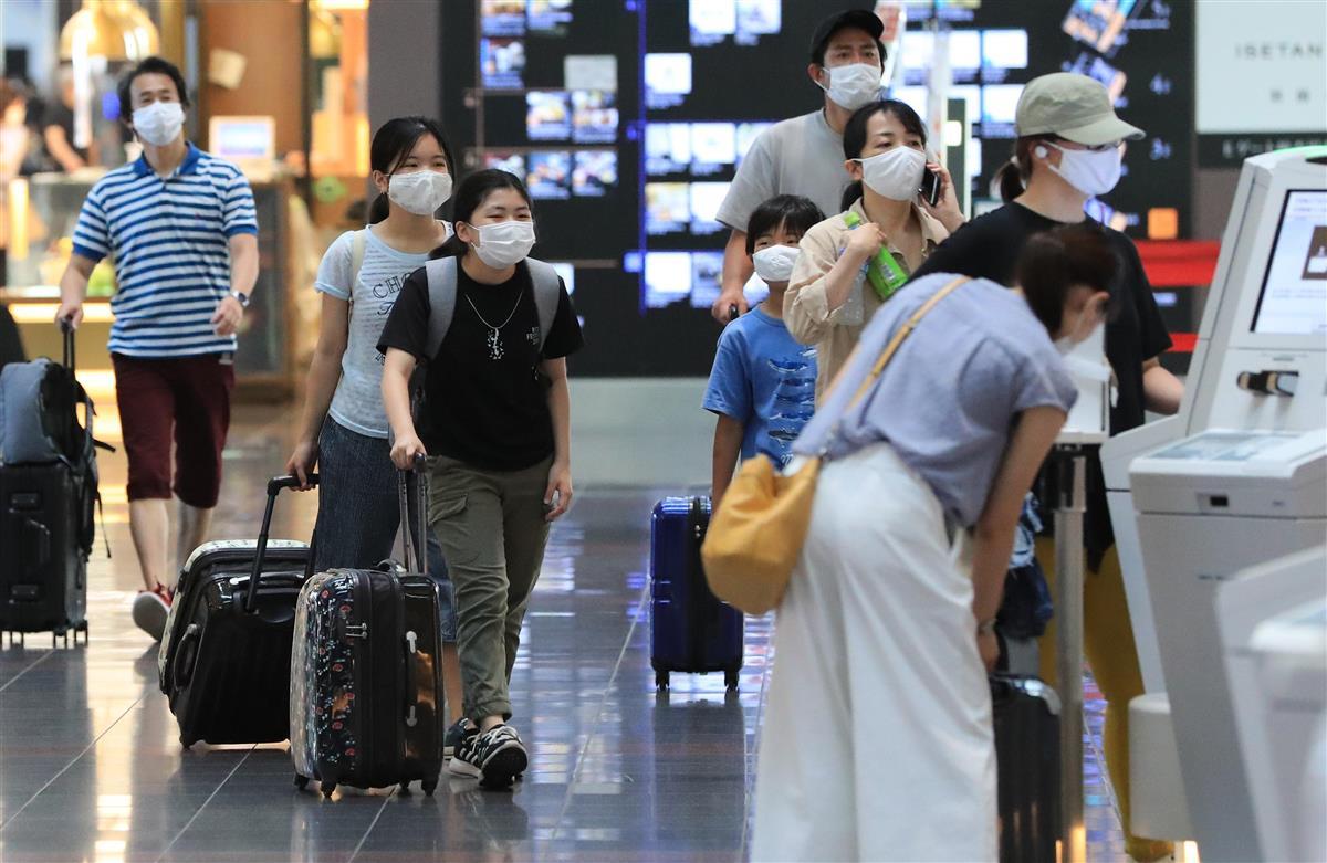 「空港、機内でマスクを」 トラブル受け航空協会要請