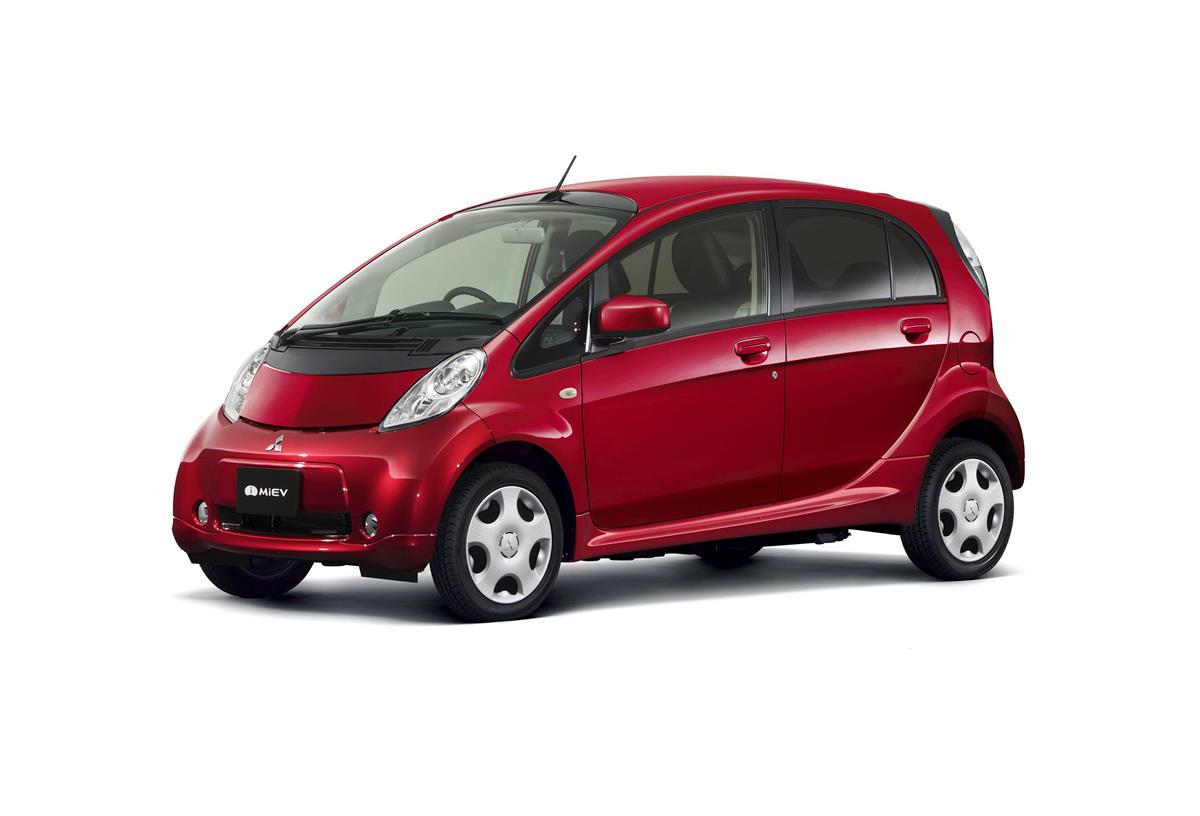 三菱自「アイミーブ」生産終了へ 世界初量産EVも販売伸び悩み