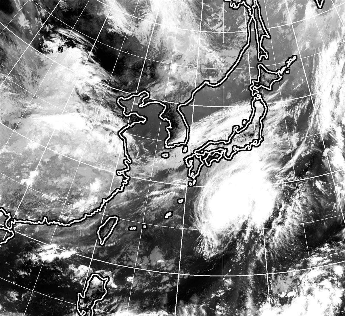 台風12号、東日本上陸の恐れ 前線活発化…大雨警戒