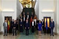 ベルギー新内閣発足 男女・南北同数、性的少数派起用