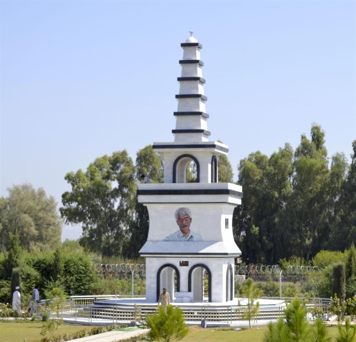 アフガンに中村哲さんの功績たたえる記念塔完成