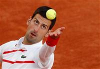 ジョコビッチが4強進出、準決勝はシチパスと 全仏テニス
