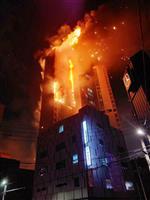 韓国で高層ビル火災、88人搬送 炎に包まれ屋上へ避難も