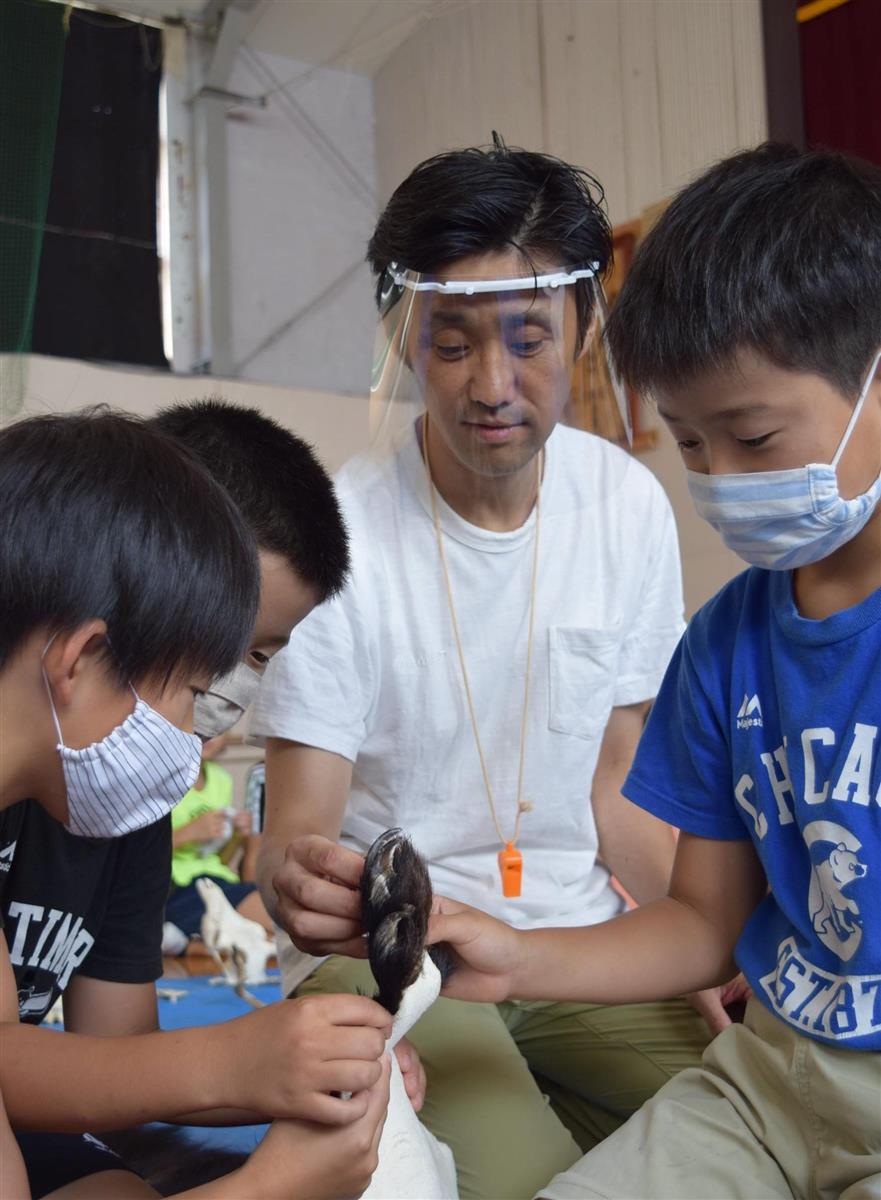 ツキノワグマの先生 岩手大学農学部の山内貴義准教授(50)
