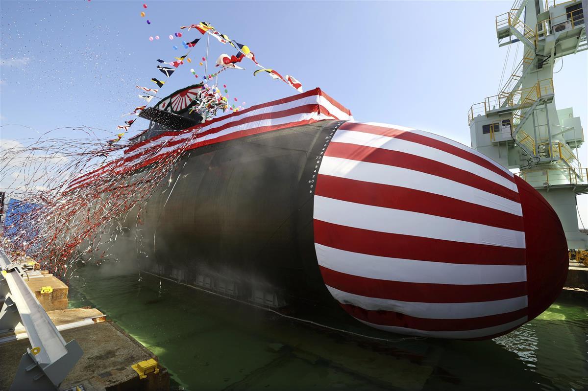 命名・進水式で披露された海上自衛隊の新型潜水艦「たいげい」=14日午前、神戸市の三菱重工業神戸造船所