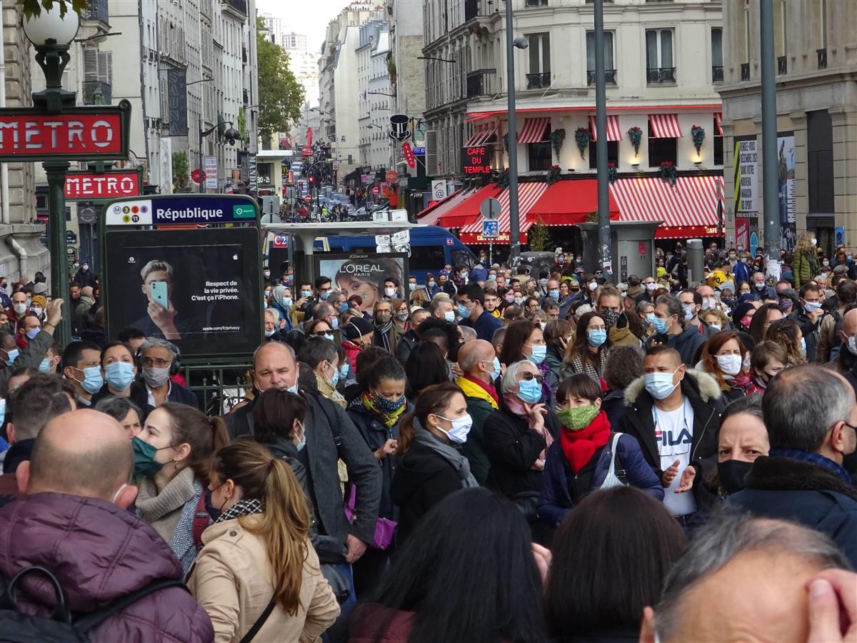 新型コロナと西欧民主主義 フランス感染者「1日4万人」でも譲…