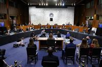 「中絶禁止法」昨年から続々 最高裁判事任命で再焦点化