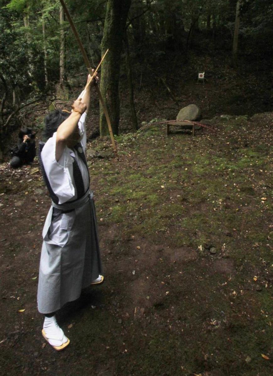 伝統の裃姿で「弓引き」 姫路・水尾神社で60年ぶり