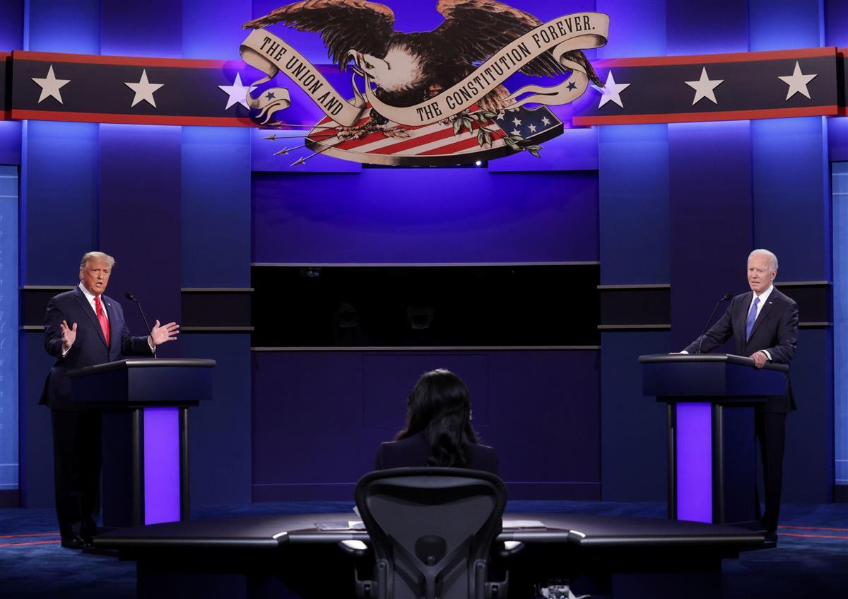 【米大統領選・最終討論会】(4)司会者の進行に合わせて冷静に…