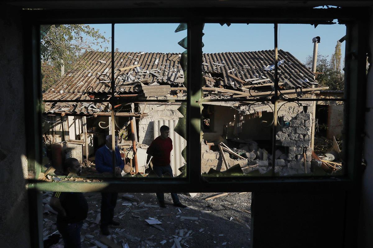 アルメニア首相「外交的解決ない」 ナゴルノ紛争、死者5000…