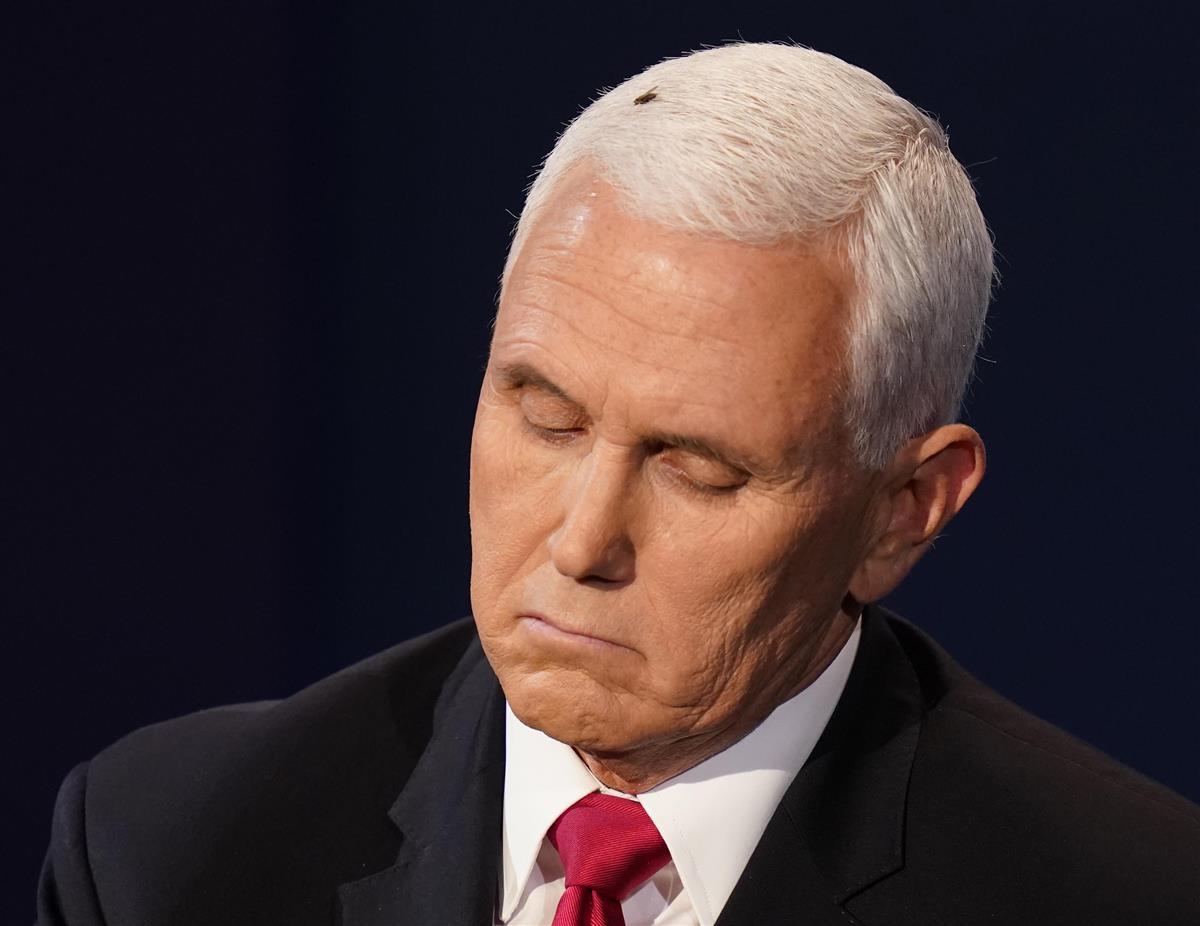 米副大統領補佐官が感染、ペンス氏は陰性、日程維持