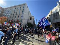 注目のペンシルベニア州 にらみ合い続く 残り10万票が焦点 米大統領選
