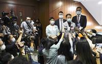 香港民主派議員が全員辞表 中国「茶番、立法会運営に影響出ず」