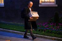 英首相官邸の「影の権力者」辞任決定 強硬な離脱派