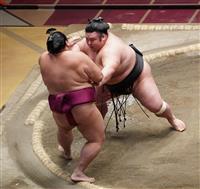 貴景勝、1敗で単独首位守る 照ノ富士2敗、V争いは2人に