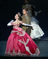 宝塚宙組公演「アナスタシア」真風の深みのある歌声に観客魅了