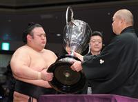 貴景勝が2度目V 決定戦で照ノ富士破り11場所ぶり