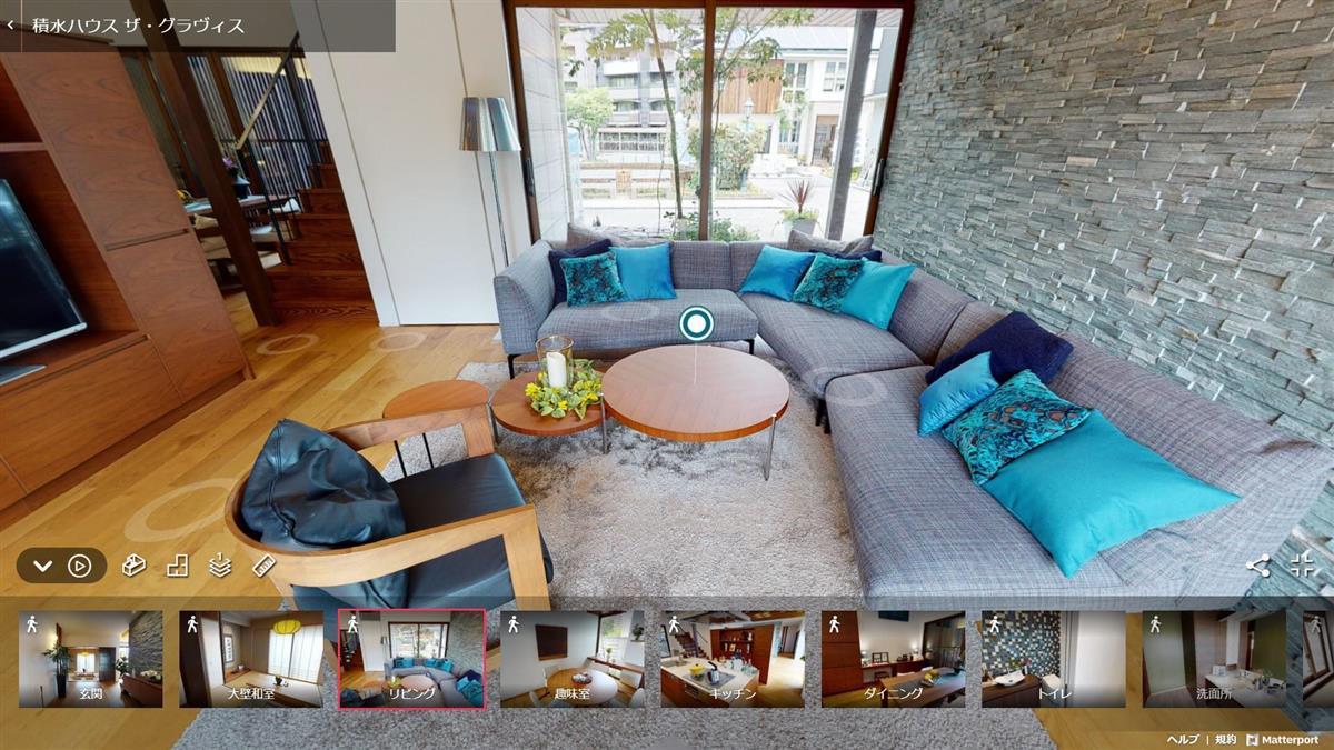 実際の住宅のリビングの画面。専用ソフトで処理され、部屋の寸法も測ることができる