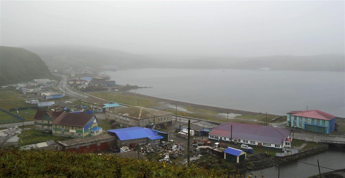 北方領土・色丹島の町並み=2018年8月