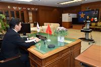 岸防衛相、尖閣接近で中国に強い懸念伝達 日中防衛相がテレビ会談