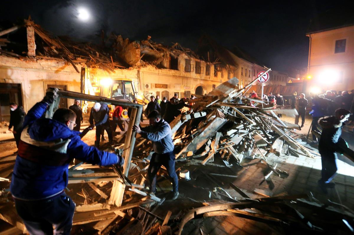 クロアチアで地震7人死亡 M6・4、行方不明者も