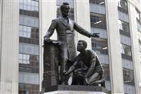 リンカーンの像撤去 米ボストン、差別反対受け
