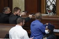 トランプ支持者が議会議事堂に侵入 女性1人銃撃され死亡