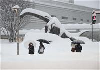 大雪、北陸道で125台立ち往生 福井