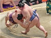 正代、遠藤に土俵際逆転勝ち かど番脱出「解放された」