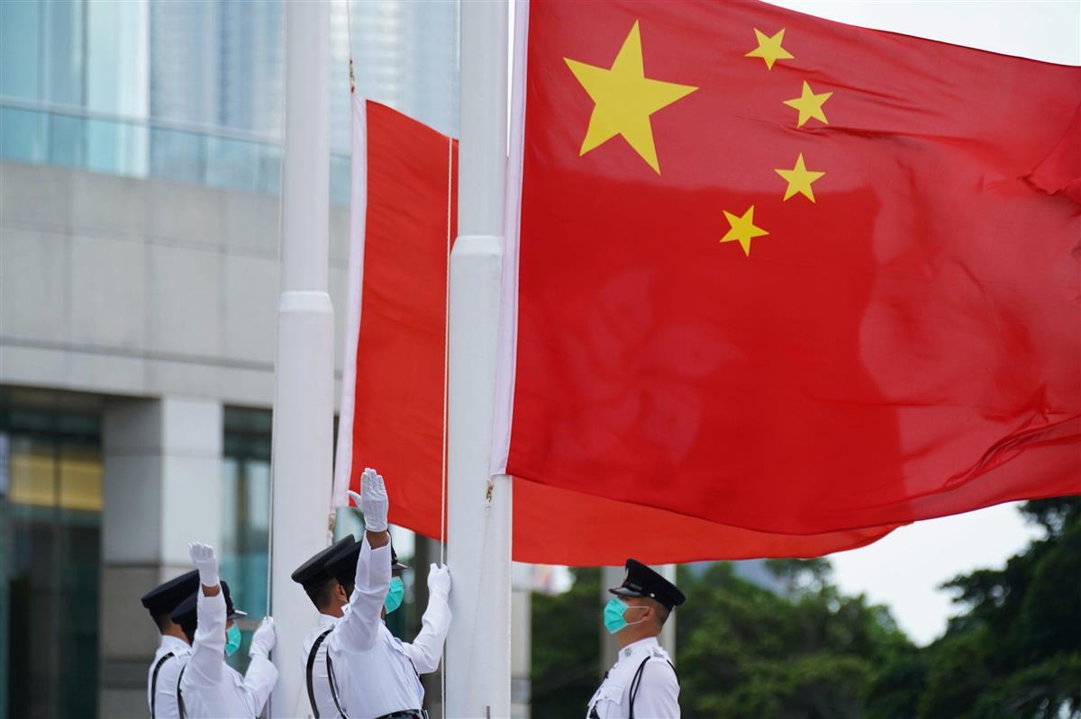 中国国旗の掲揚式(ロイター)