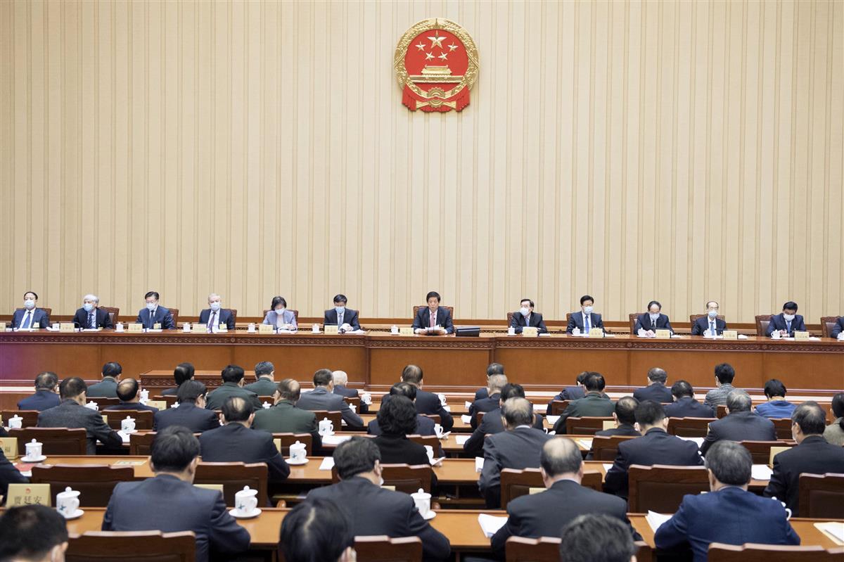 海警法草案を可決した中国の全人代常務委員会会議=22日、北京(新華社=共同)