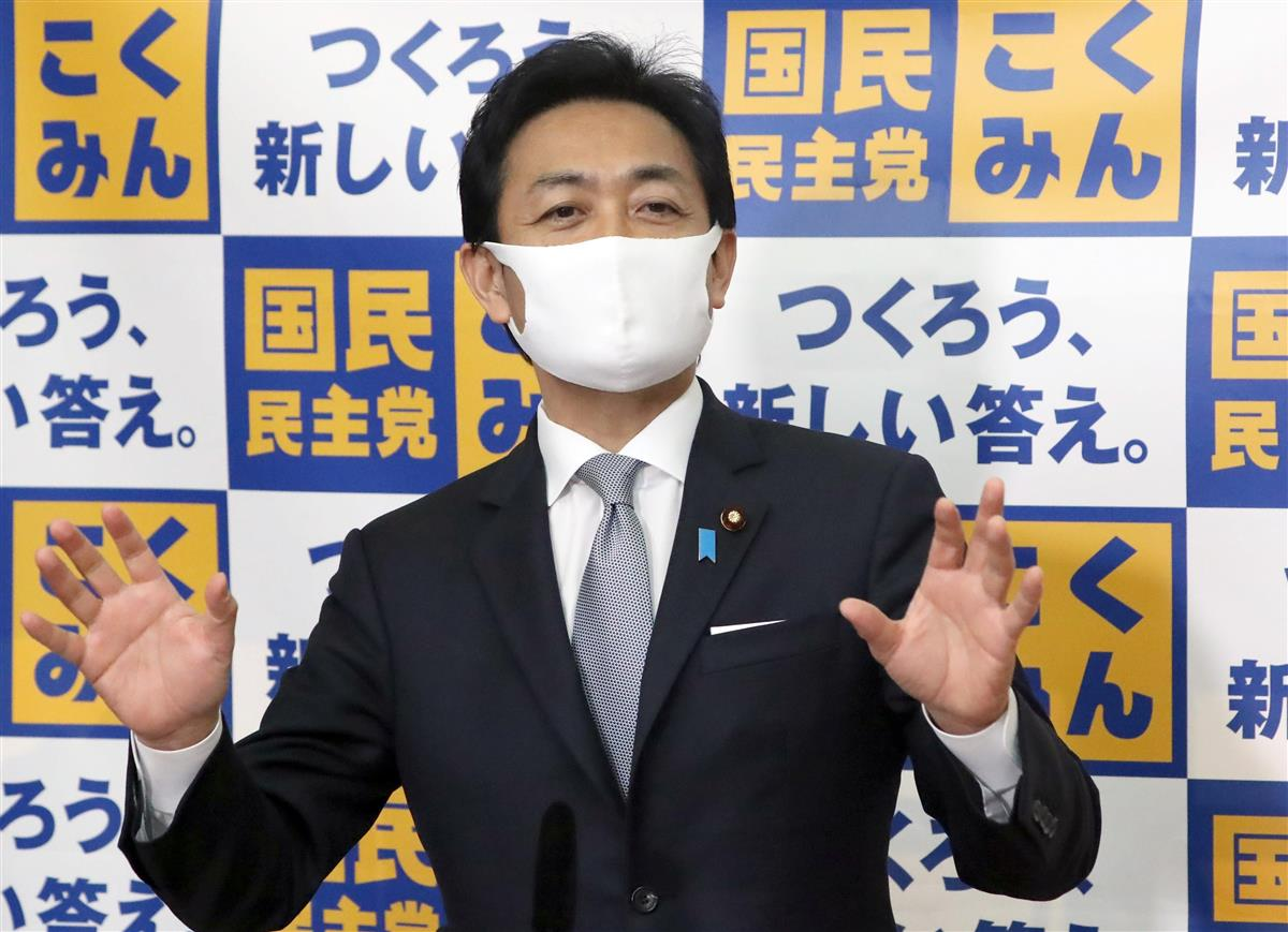 会見で記者団の質問に答える国民民主党・玉木雄一郎代表=14日午前、国会内(春名中撮影)