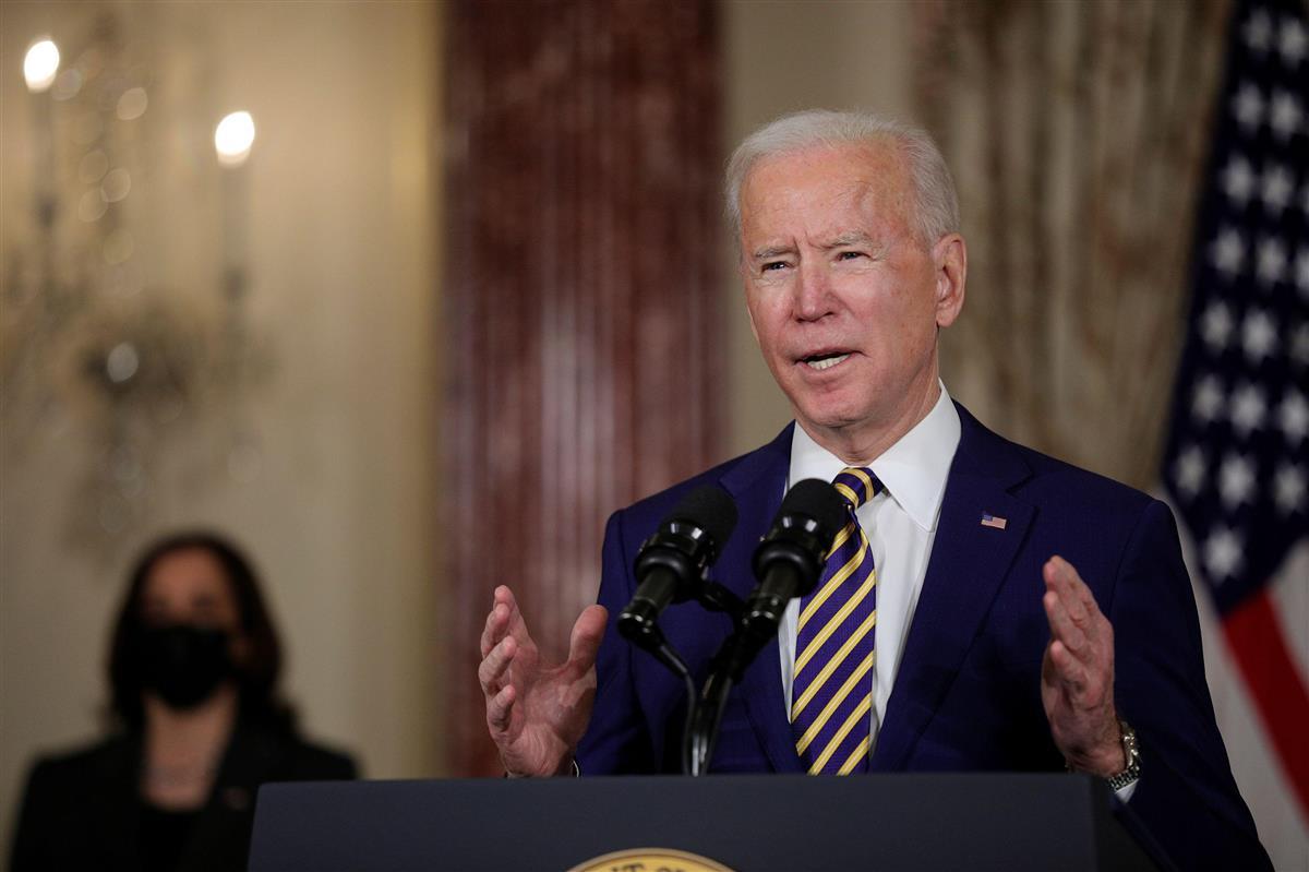 外交方針演説を行うバイデン米大統領=4日、ワシントン(ロイター=共同)