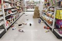 スーパーやコンビニ、百貨店が停電や建物被害で一時休業も