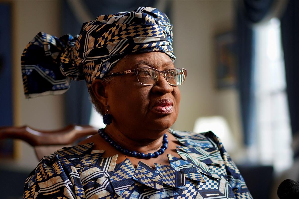 WTO次期事務局長に正式承認されたナイジェリアのオコンジョイウェアラ元財務相=15日、米ワシントン近郊(ロイター)