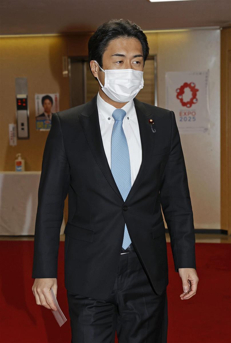 自民党本部を訪れた白須賀貴樹衆院議員=17日午後、東京・永田町